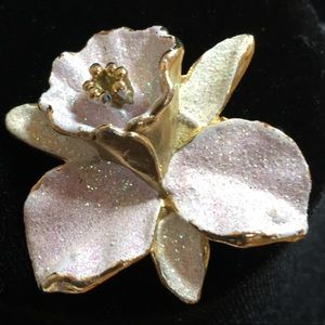 Flower pin- vintage baby pink glitter and gold